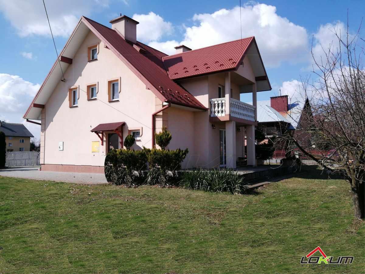 fotografia oferty  Funkcjonalny dom do zamieszkania  Radomyśl WielkiulCentrum