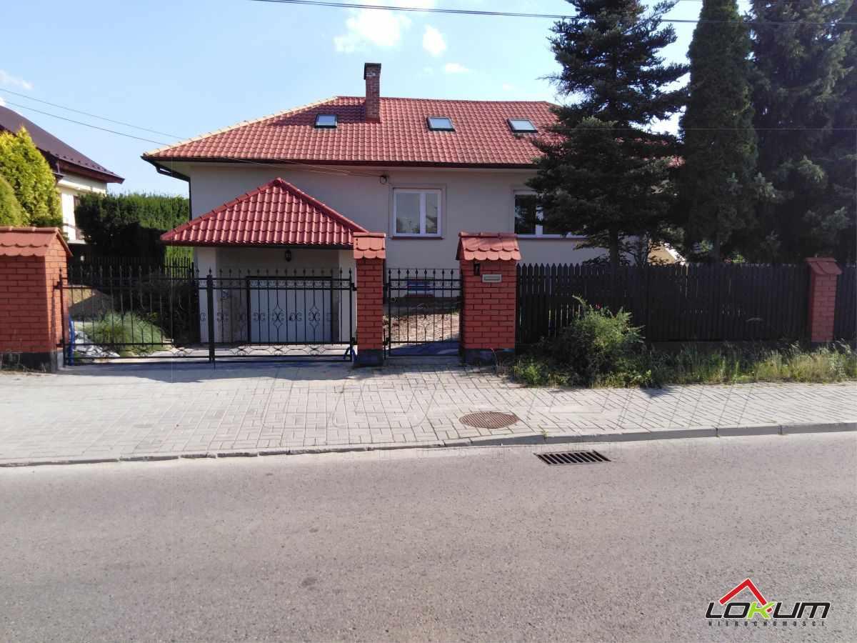 fotografia oferty  Funkcjonalny dom w Centrum Mieleculul. Długa