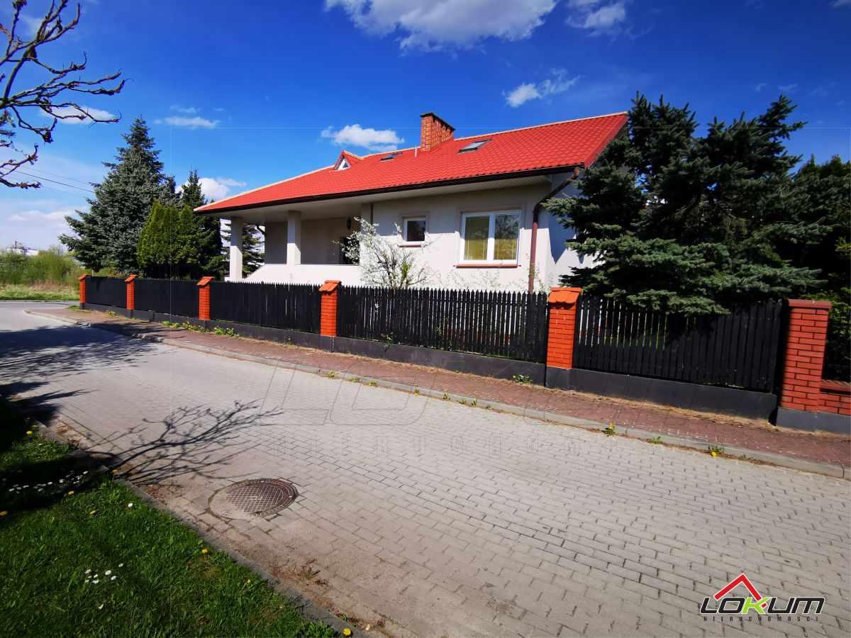 fotografia oferty  Przestronny dom świetnej lokalizacji Mieleculul. Długa